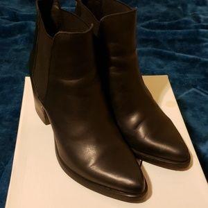 Steve Madden Pistol Ankle boots